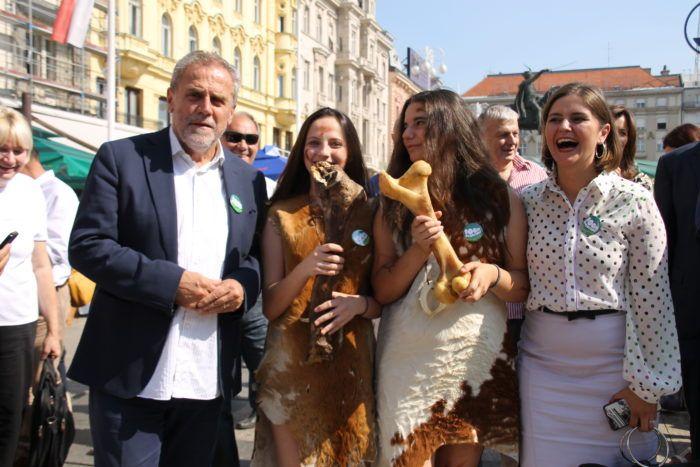 """Manifestacija """"100 % Zagorsko"""" otvorena na središnjem zagrebačkom trgu"""