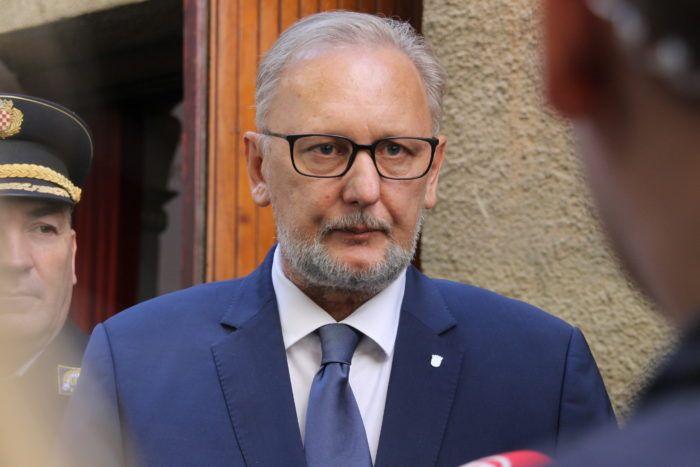 """""""Afera fabriciranih sms-ova"""" Ministar Božinović: Mora se istražiti kako je došlo do curenja informacija"""