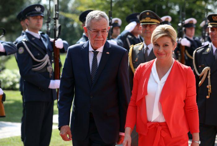 """Predsjednica Grabar-Kitarović: neću """"dopustiti da mi Vučić nameće bilo kakve teme kojima ću se baviti niti ću se spuštati na tu razinu da komentiram njegove govore """""""