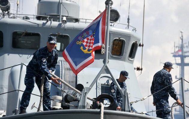 """Iz Lore ispraćena raketna topovnjača """"Vukovar"""" u NATO operaciju potpore miru Sea Guardian"""