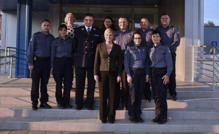 Predsjednica Grabar-Kitarović u posjetu postaji granične policije u Staroj Gradiški