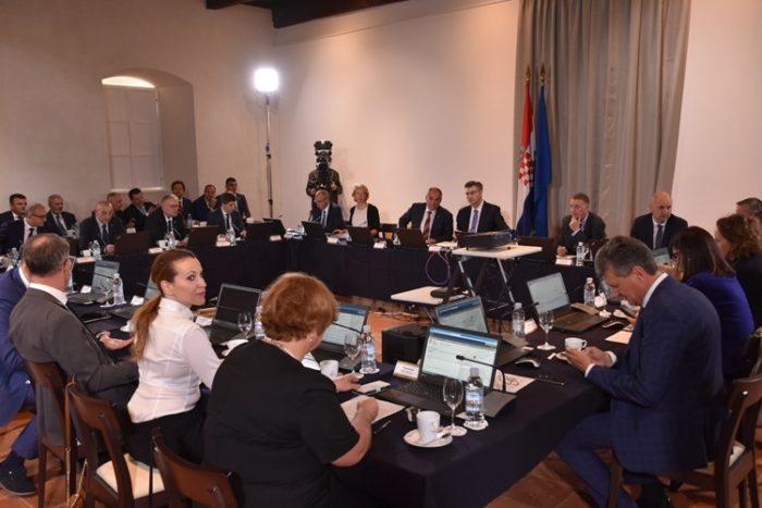 Premijer Andrej Plenković: Vladina sjednica na Hvaru referentna je za razvoj otoka