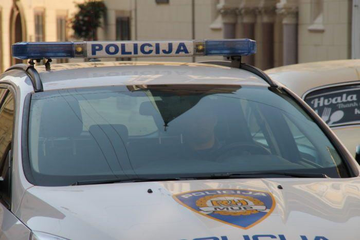 Zagrebačka policija: U sudaru s kombijem poginuo motorist u Velikoj Kosnici