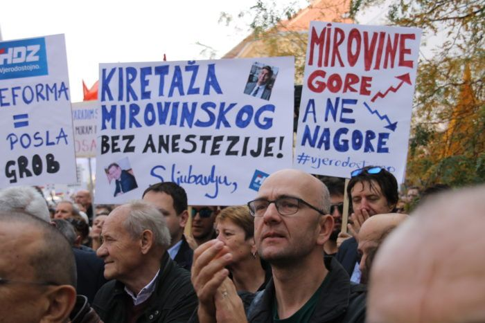 "Počeo sindikalni prosvjedni skup protiv mirovinske reforme ""Doživi mirovinu i tebe se tiče"""