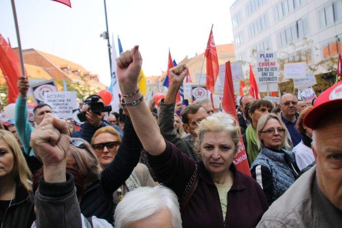 """Prosvjed protiv prijedloga mirovinske reforme: """"Ne radu do 67. godine!"""""""