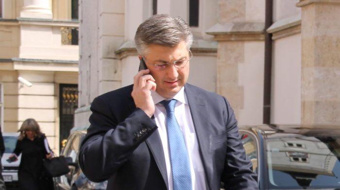 Premijer i šef HDZ-a Plenković: Sporno je da su podaci o potpisima za referendume iscurili