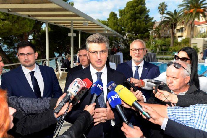 Predsjednik Vlade Plenković: O aferi SMS i svemu što se tiče sigurnosti u redovitom sam kontaktu s ravnateljem SOA-e