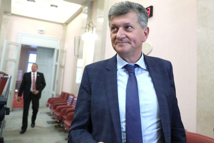 Sabor: Kujundžić ostaje ministar zdravstva – za opoziv 53 zastupnika, protiv 77
