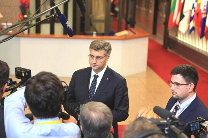 Premijer Plenković komentirao izjave predsjednice Grabar-Kitarović o prebrojavanju potpisa i o Milijanu Brkiću