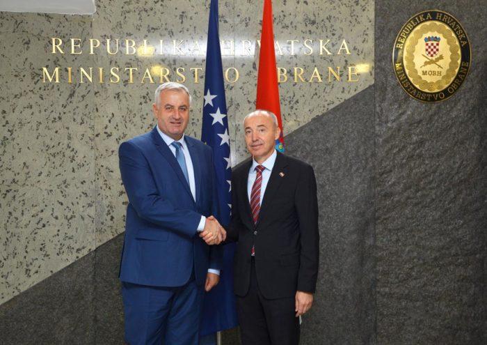 Ministar Krstičević dao podršku Kosovu na putu u NATO