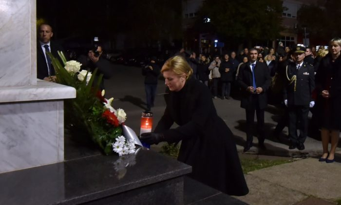 Predsjednica Grabar-Kitarović odala počast ubijenim Lovašanima