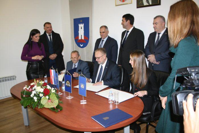 Božinović potpisao sporazum o izgradnji nove postaje granične policije u Imotskom
