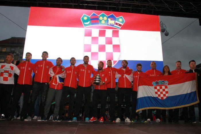"""""""Zlatni"""" hrvatski tenisači dočekani na središnjem zagrebačkom trgu"""