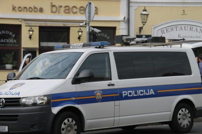 Proteklog vikenda na hrvatskim cestama zabilježeno gotovo 4600 prometnih prekršaja