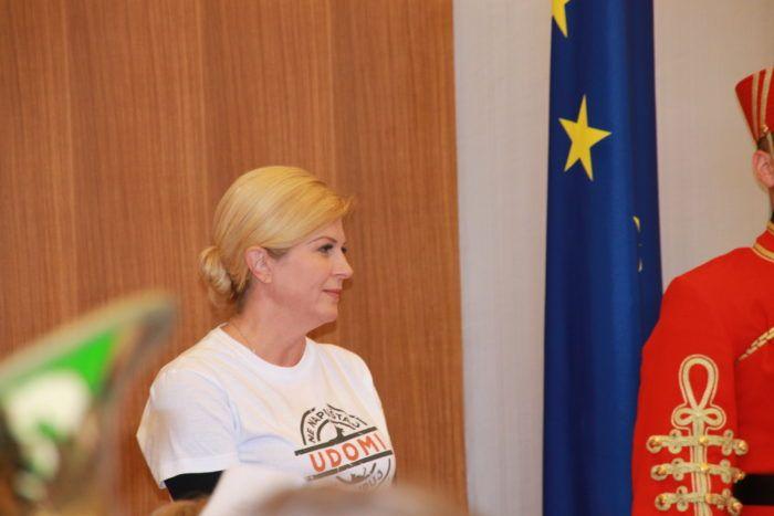Predsjednica Grabar-Kitarović odlučno odbacila konstrukcije o navodnoj umiješanosti u rušenje Vlade i premijera Plenkovića
