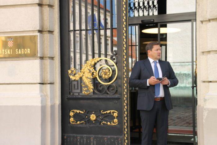 Mikulić: Dok je bio ministar, Maras je imao poseban lift u Ministarstvu