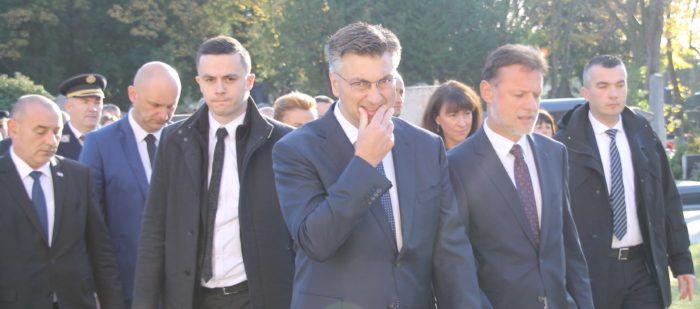 Premijer i šef HDZ-a Plenković: Možda će se sad tvrtke odlučiti za dodatnu naknadu radnicima