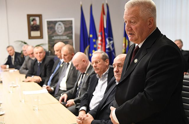 """Udruge časnika i generala pozvale saborske zastupnike da podrže """"obrambeni proračun"""""""