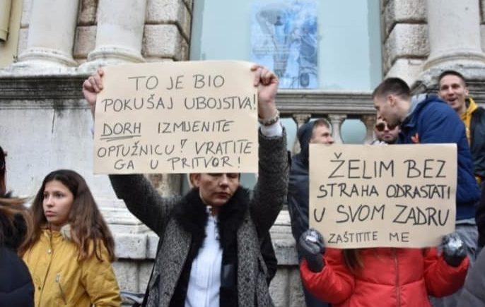 "Zadar: Prosvjed facebook grupe ""Protiv pravosuđa koje štiti kriminalce"""