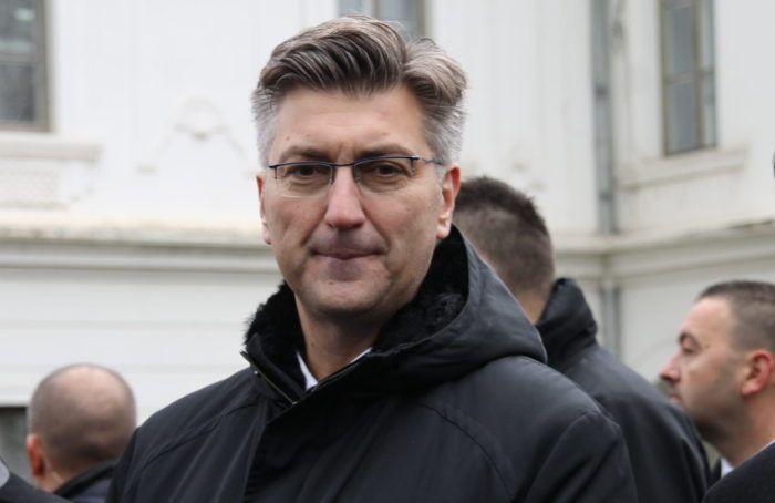 Plenković o prosvjedu u Vukovaru, povlačenju MOL-ove tužbe i aferi SMS