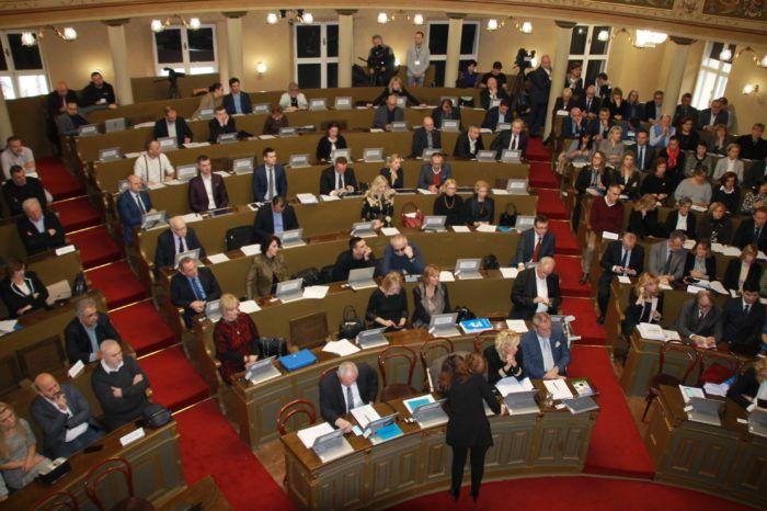 Skupština: Oporba traži da se utvrdi prisutnost svih zastupnika nove vladajuće većine