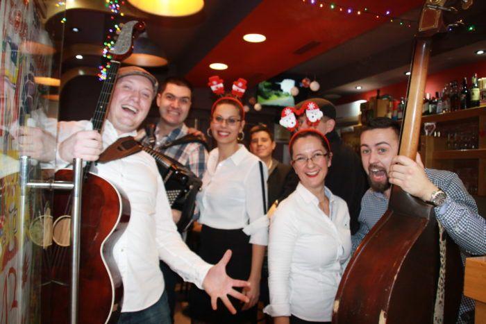 """Caffe bar Dolac : """"Čestit vam Božić i neka vam mir, ljubav i dobro uvijek otvore naša vrata"""""""