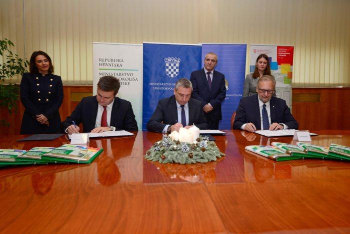 Božinović, Štromar i Ćorić potpisali sporazum o energetskoj obnovi policijskih zgrada