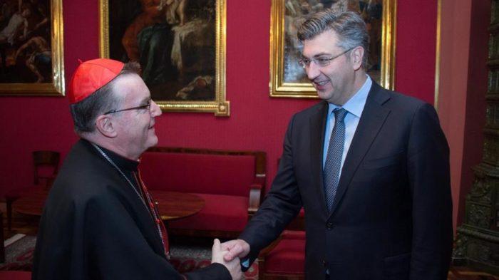 Čestitka Plenkovića kardinalu Bozaniću: Neka nas Božić potakne još ustrajnije graditi pravednu i gospodarski naprednu Domovinu