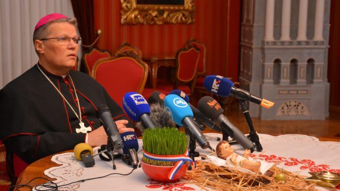 Nadbiskup Hranić: Ne dopustiti da ijedno dijete ostane uskraćeno za dom zbog manjka udomitelja