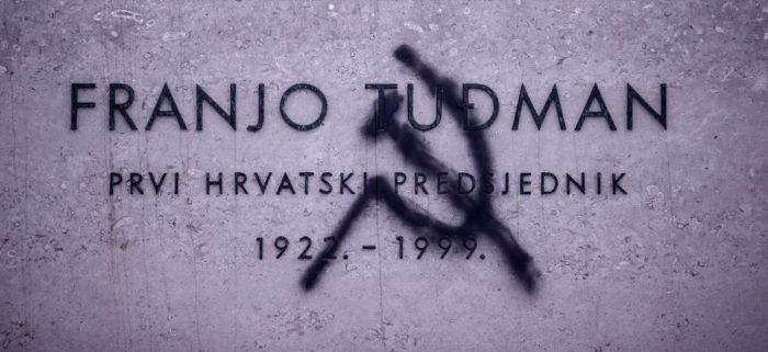 PROVOKATIVNI GRAFIT – Na spomeniku Franji Tuđmanu nacrtali srp i čekić