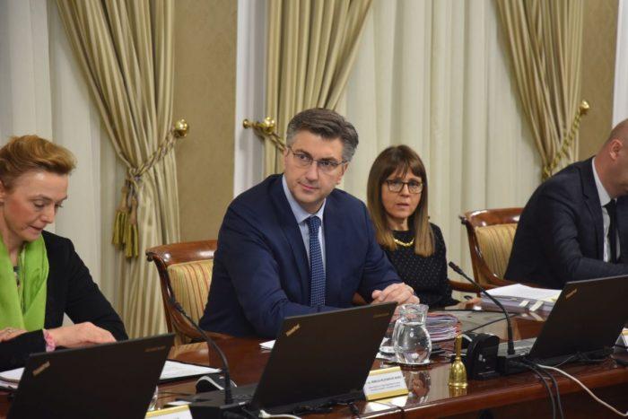 """Plenković: Ne postoji nikakva šteta za Hrvatsku zbog F-16 """"Kupoprodajnog ugovora nema, nije potpisan"""""""