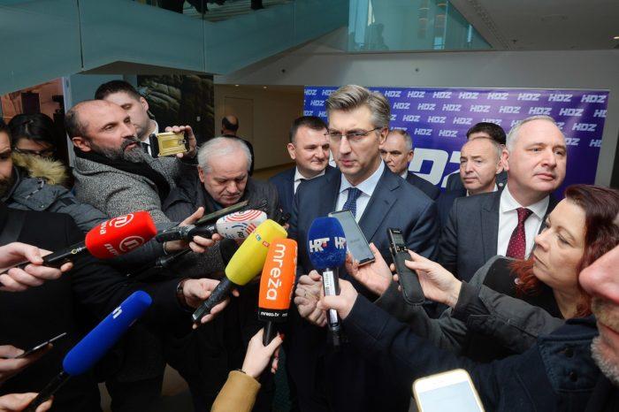 Plenković: Vlada će u ponedjeljak poništiti natječaj; ostaje odlučna da Hrvatska zadrži sposobnost ratnog zrakoplovstva