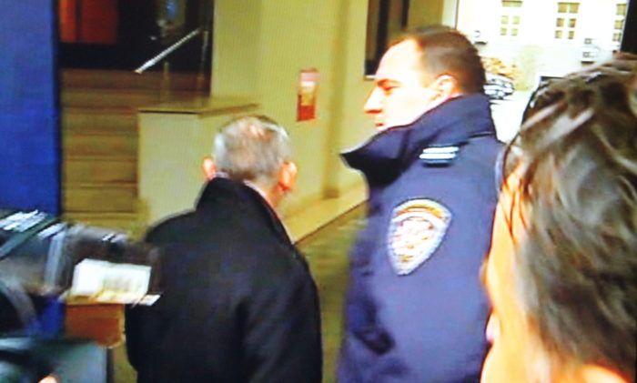 Brumnić nakon iskaza u Uskoku nije želio komentirati sumnje da mu je za prijelaz u stranku Milana Bandića nuđeno tri milijuna kuna