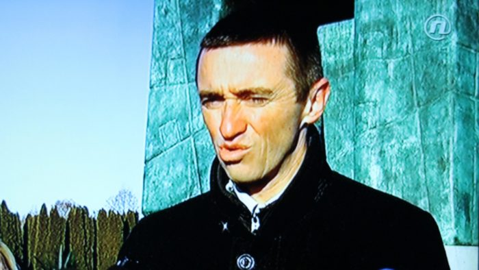 Vukovarski gradonačelnik Penava prilikom polaganja vijenaca na Memorijalnom groblju pitao hoće li se šutjeti