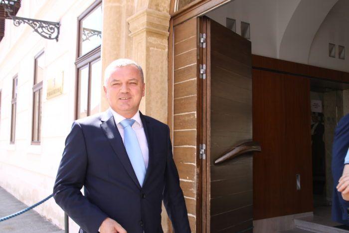 Ministar gospodarstva Horvat: Potrošački telefon vrlo skoro bit će besplatan