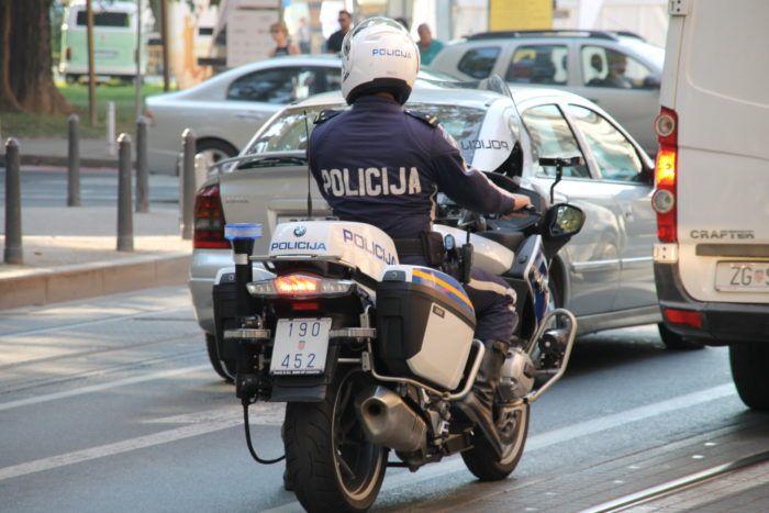 U vikend akciji nadzora prometa policija zaustavila 320 pijanih vozača