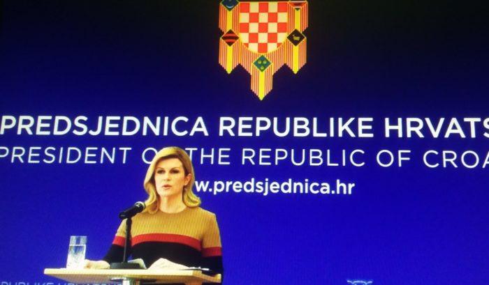 """Predsjednica Grabar-Kitarović: Pogriješila sam oko pozdrava """"Za dom spremni"""", povijesni hrvatski pozdrav """"kompromitiran i neprihvatljiv"""""""
