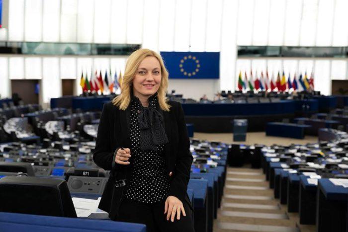 Hrvatska eurozastupnica Petir: Svaki radnik u trgovini radi mjesec dana godišnje besplatno