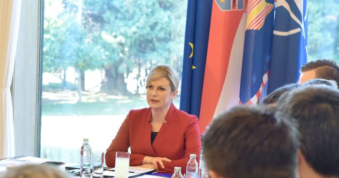 Predsjednica Grabar-Kitarović zgrožena i potresena tragedijom na otoku Pagu: Mora se raditi na prevenciji obiteljskog nasilja