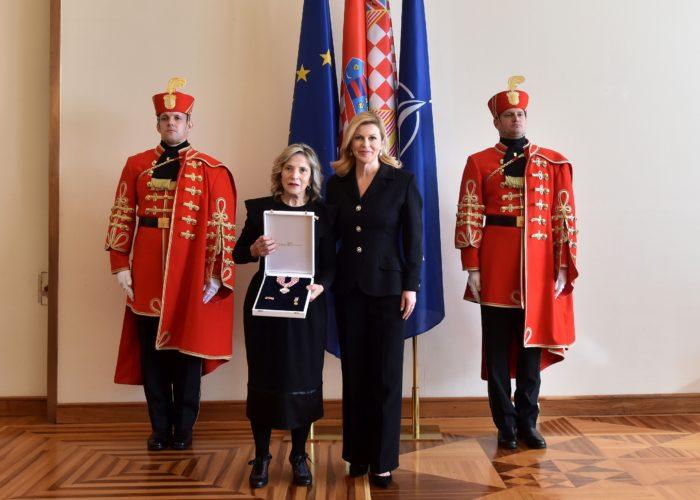 Predsjednica Grabar-Kitarović odlikovala povjesničarku Esther Gitman za promicanjem istine o hrvatskoj povijesti 20. stoljeća