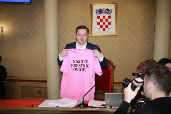 """Predsjednik zagrebačke Gradske skupštine Mikulić: Podržali bi danas osnivanje društva """"Sportski objekti"""" da smo vidjeli da je to dobro i kvalitetno"""