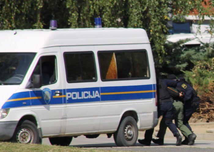 """Zagrebačka policija uhitila 19-godišnjaka zbog sumnje da je počinio kazneno djelo """" Razbojništvo"""""""