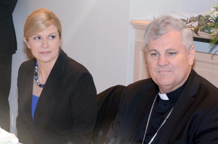 """Predsjednica Grabar Kitarović na Molitvenom doručku: Nisam za reviziju Vatikanskih ugovora, to bi moglo postavljati opasne presedane u """"međunarodnom pravu"""""""
