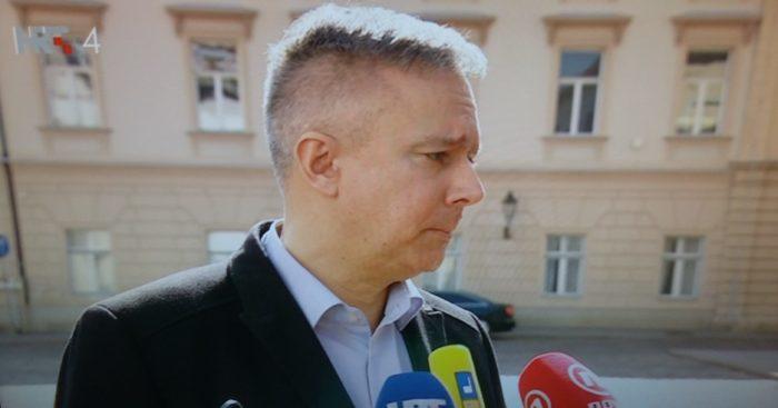 """Kosor o SDSS-u i Pupovcu: Svaka politička stranka ima pravo sudjelovati u nekoj većini ili izaći iz nje, Koalicija sigurno neće """"izgorjeti"""""""