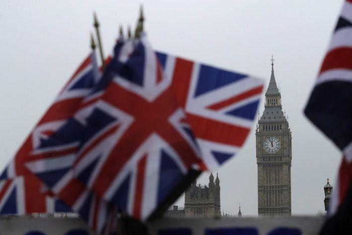 Britanski parlament treći put odbio brexit, premijerka upozorava da će posljedice biti teške