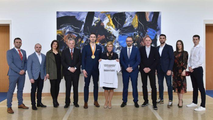 """Predsjednica Grabar-Kitarović primila izaslanstvo Karate kluba """"Hercegovina – Zagreb"""""""