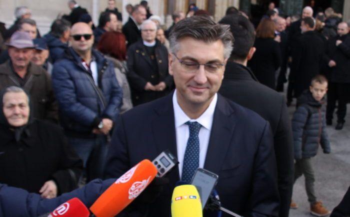 Plenković: Žalac ostaje ministricom unatoč propustu s vozačkom dozvolom