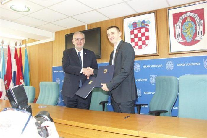 MUP i Grad Vukovar potpisali sporazum o obnovi zgrade za potrebe Interventne policije PU vukovarsko-srijemske