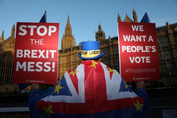 Britanski zastupnici velikom većinom glasovali za odgodu Brexita