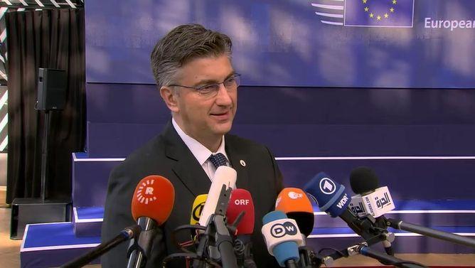 """Plenković stao u obranu ministrice Žalac: """"Odvajam priču s prometnom nesrećom i tu sam sve rekao.Treba nastaviti raditi ono na čemu je i do sada radila"""""""